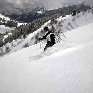 Jamie finds excellent end of season spring powder, Saint Gervais