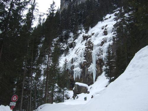 Lauterbrunnen Ski Resort by: Liz Woodhead