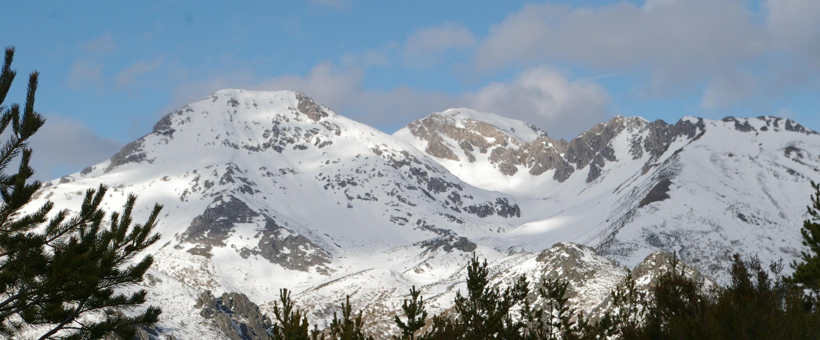 Mampodres desde el Pico del Aguila, San-Isidro