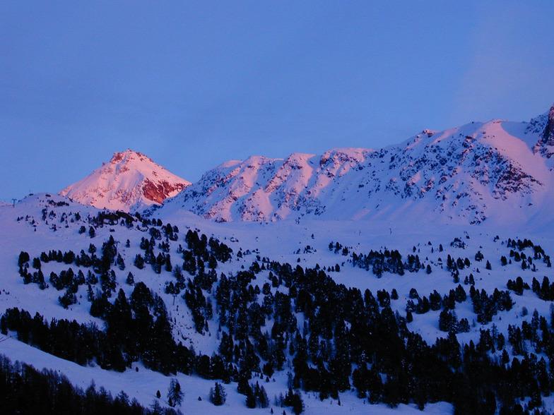 Alpine Glow, Chandolin