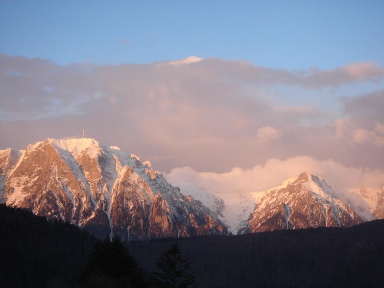 Red Mountain Morning, Azuga