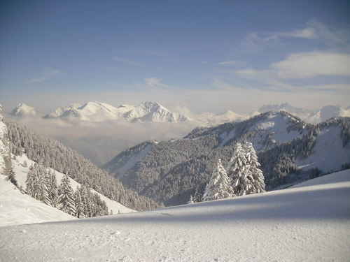 Saint-Jean d'Aulps La Grande Terche Ski Resort by: maqrk sherman