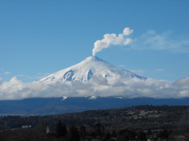 Smoke Villarrica Volcano, Villarrica-Pucon