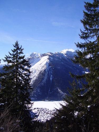 Alleghe Ski Resort by: OSWALDO