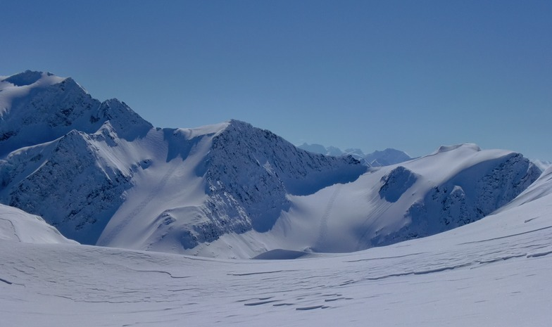 Two perfect Runs, Great Canadian Heli-Skiing