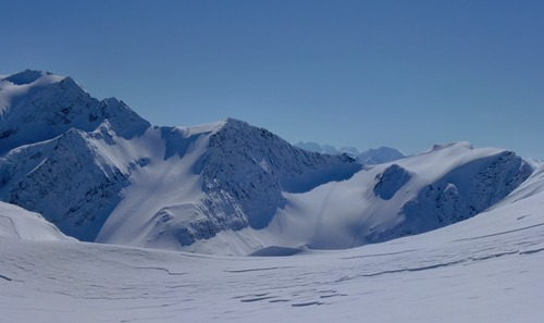 Great Canadian Heli-Skiing Ski Resort by: Christian D. Derichs