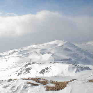 hermon resort in israel see on domain u can see lebanon + syria + israel from there, Mount Hermon