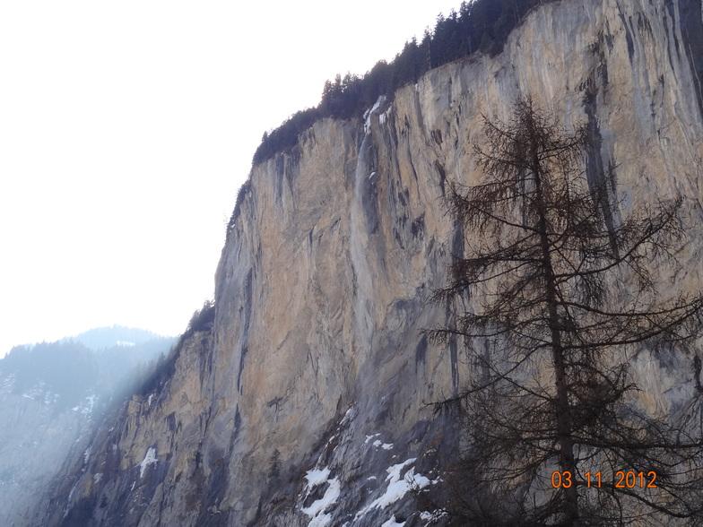 Lauterbrunnen snow