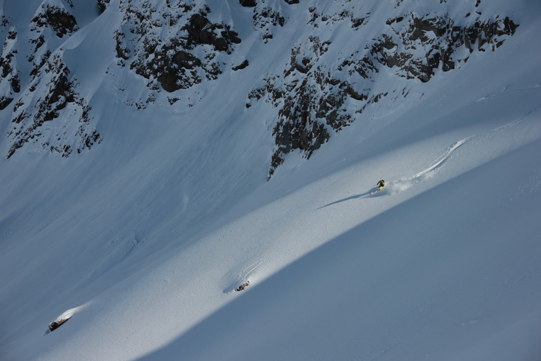 Puma Lodge - Chilean Heliski snow