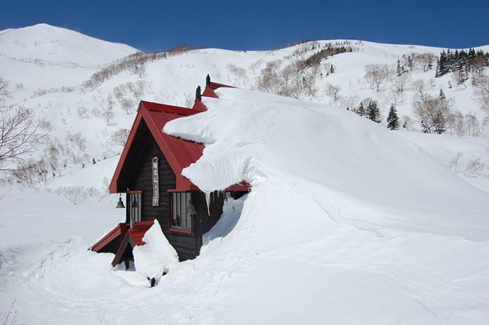 Mountain Hut, Hakuba Goryu