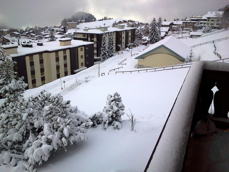 Fresh snow in the village, Leysin