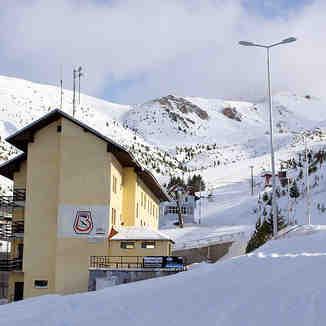 Hotel Ski School in Brezovica