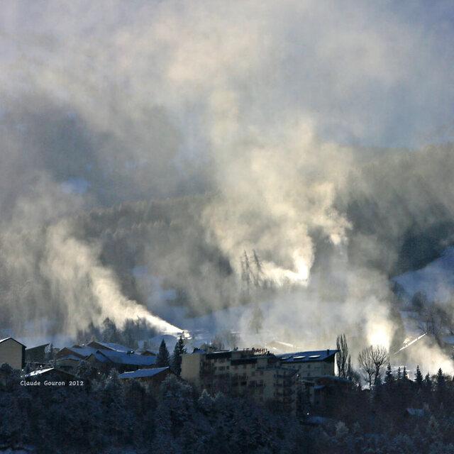 Snow making on Le Sauze ski resort, Sauze Super-Sauze