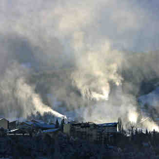 Snow making on Le Sauze ski resort, Sauze Super-Sauze