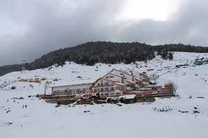 Clifftop Club, Auli photo