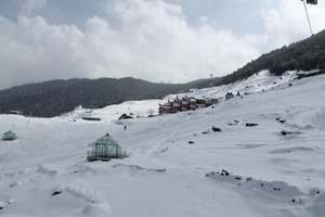Clifftop Club Top view, Auli photo