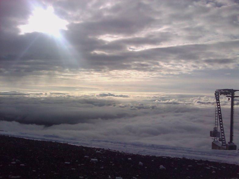 Πίσω από τον αναβατήρα Άρτεμις στο Χιονοδρομικό Κέντρο Καλαβρύτων σε υψόμετρο 2020 μέτρων !!!, Kalavryta Ski Resort