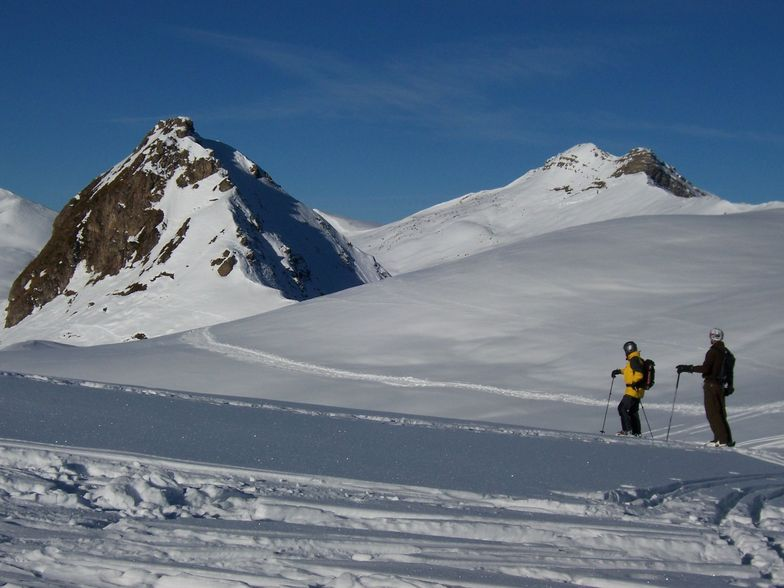 Tony and Alistair walking to the pass, Davos