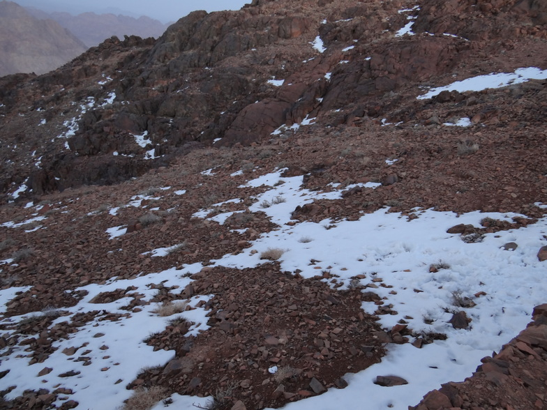 scattered snow, Jabal Katherina