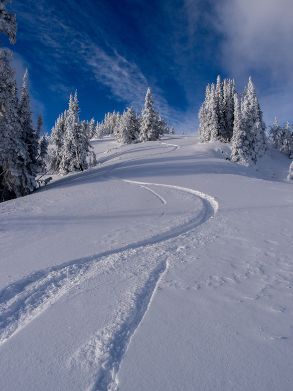 1st Tracks, Apex Resort