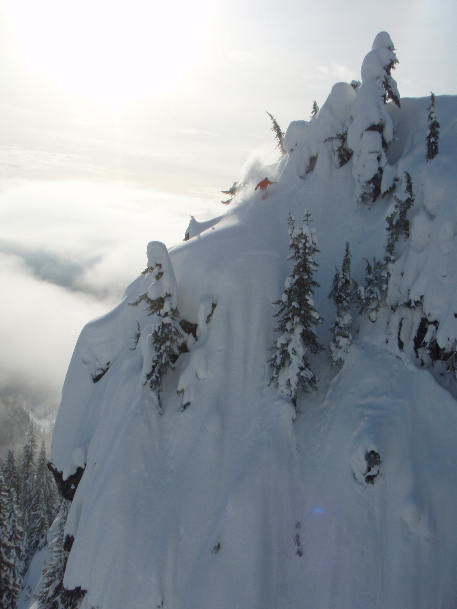 Manuel going for Tie Wall, Stevens Pass