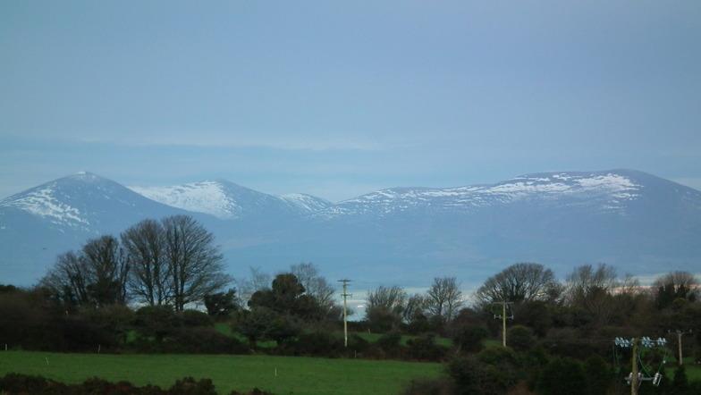 Knocknafallia (Knockmealdown Mts) snow