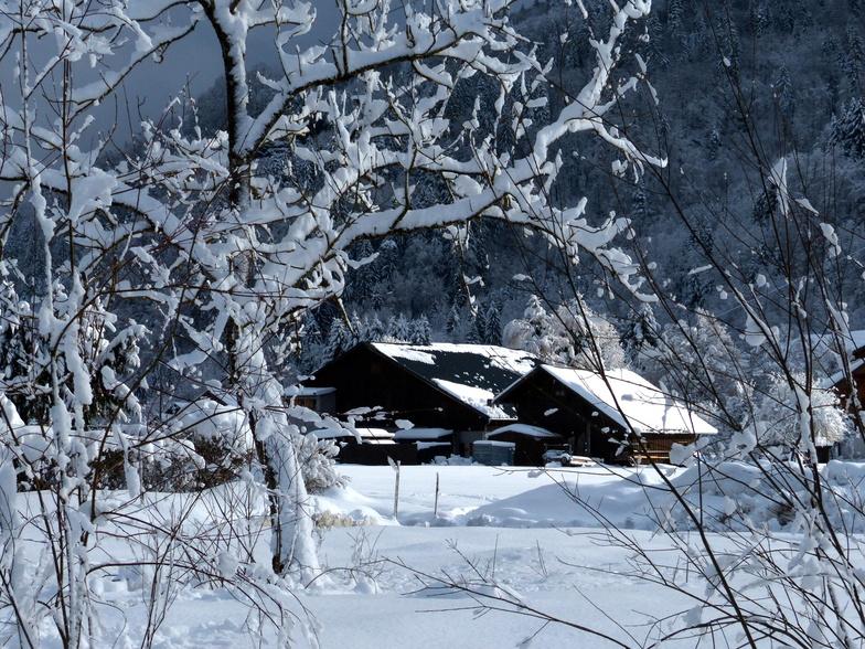 Heavy snowfall Samoens