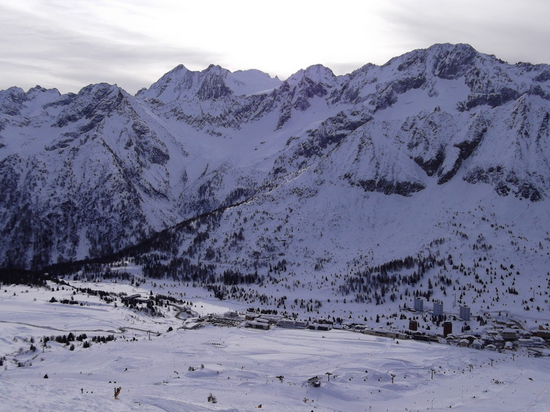 Passo Tonale snow