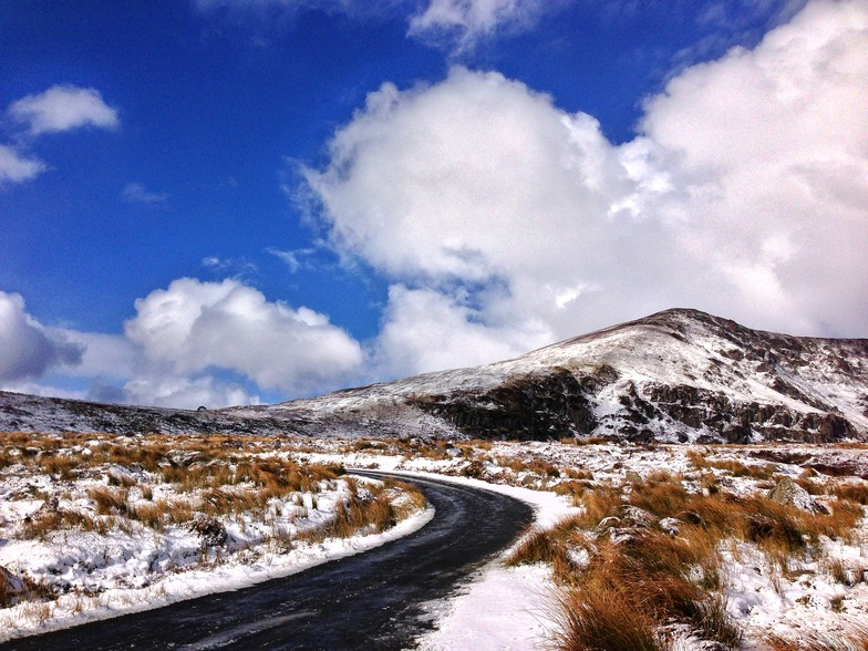Coumfea West (Comeragh Mts) snow