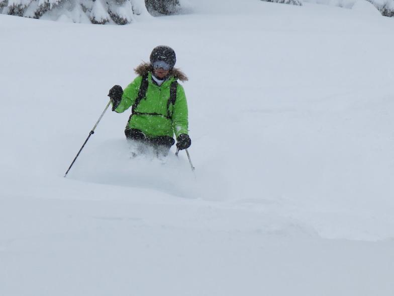 Snowing in Villars