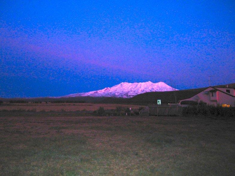 Mt Ruapehu Sunsett, Turoa