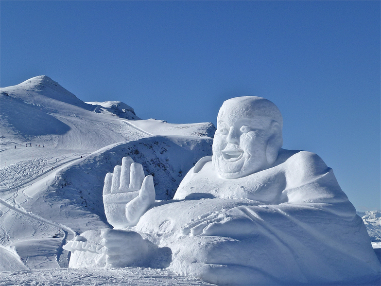 SNOW ART   in high altitude, Arosa