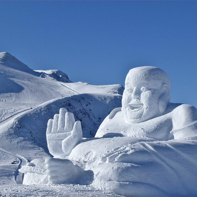 SNOW ART   in high altitude, Arosa