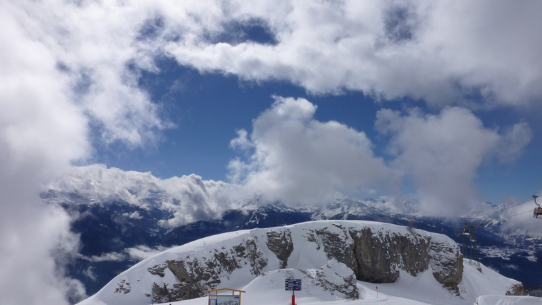 PERFECT MOUNTAIN SCENERY, Crans Montana