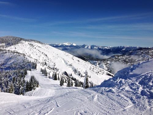 Sasquatch Mountain Resort Ski Resort by: Stewart Nimmo