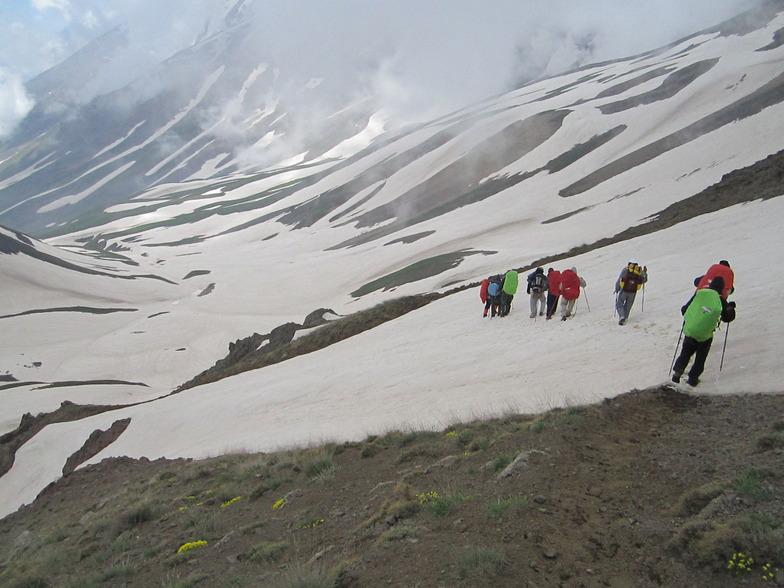 کوهنوردان شاهدان فجر