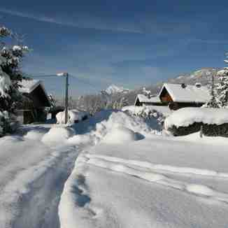 Pre season snow in the village 12 /13 season, Samoens