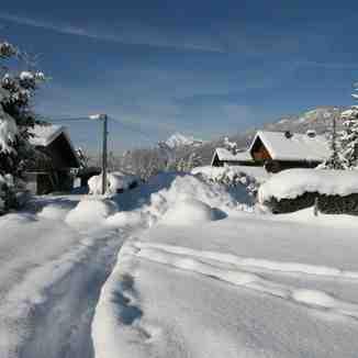 Pre season snow in the village 12 /13 season, Samoens