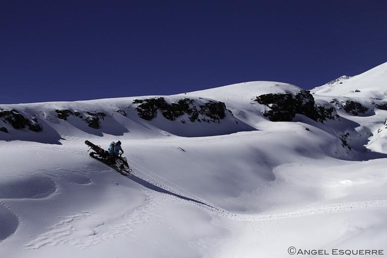 Snowmobile - www.lobosadventure.com, Villarrica-Pucon