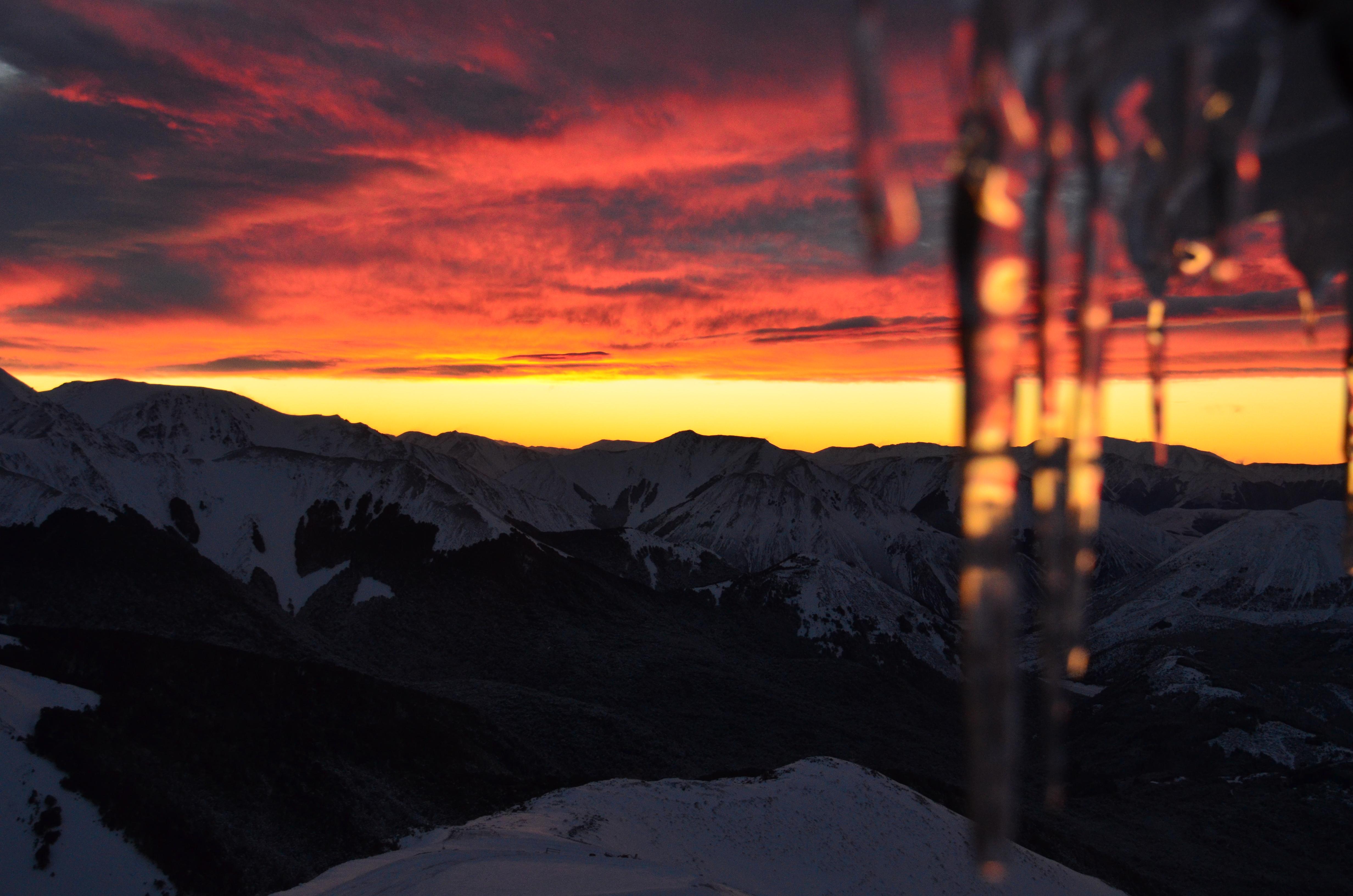 sunrise from Snowline deck, Mount Cheeseman