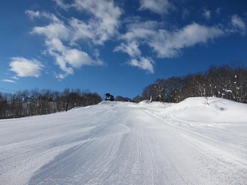 Hakuba Iwatake Ski Resort by: Hiro