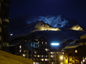 Val Thorens, night!!! photo