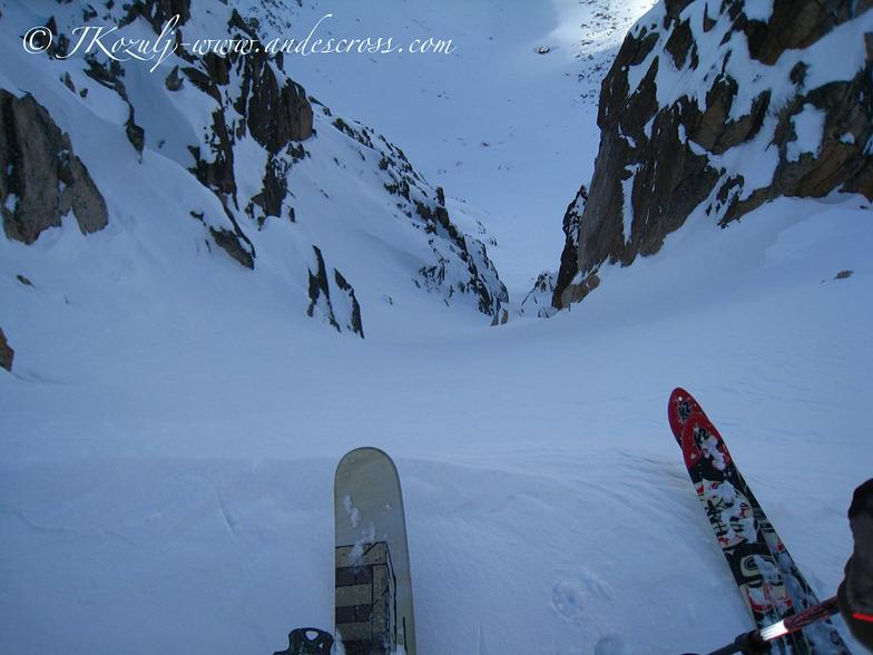 Skiing hidden chutes with andescross.com, Cerro Catedral