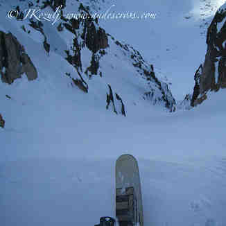Skiing hidden chutes with andescross.com, Cerro Catedral