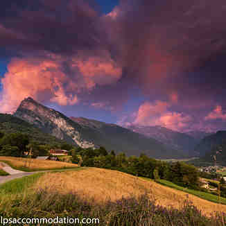 Stormy Samoens