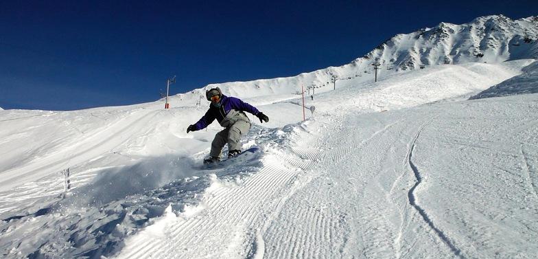 Snow...and not a soul on piste...magic !, Le Tour