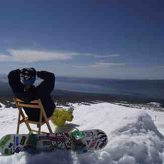 Chillin on the kicker, Villarrica-Pucon