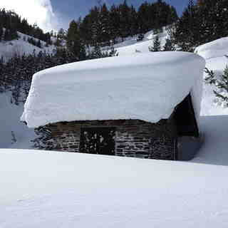 Snow covered hut, Vallnord-Pal