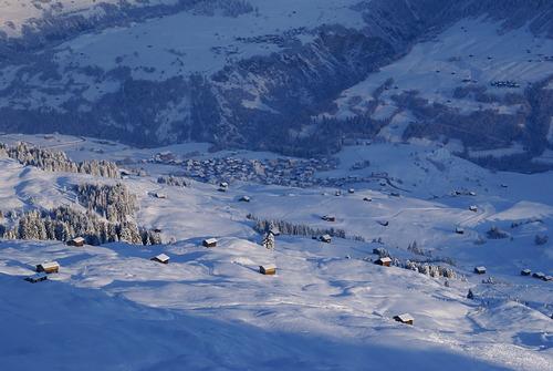 Obersaxen - Mundaun - Val Lumnezia  Reiseführer Skiort