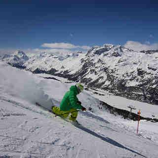Telemarking with Wyss Snowsport's instructor SOLO, Corvatsch-Furtschellas